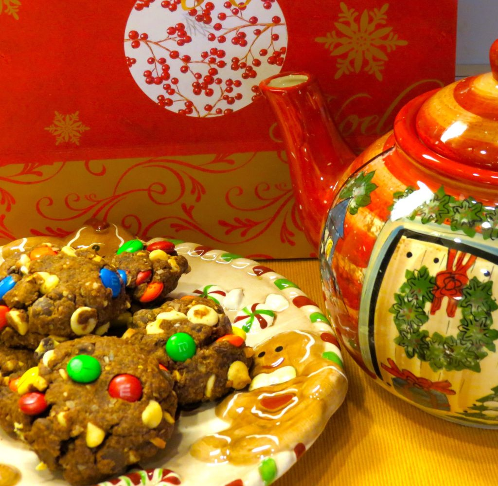 Over the top chunky christmas cookies with tea pot