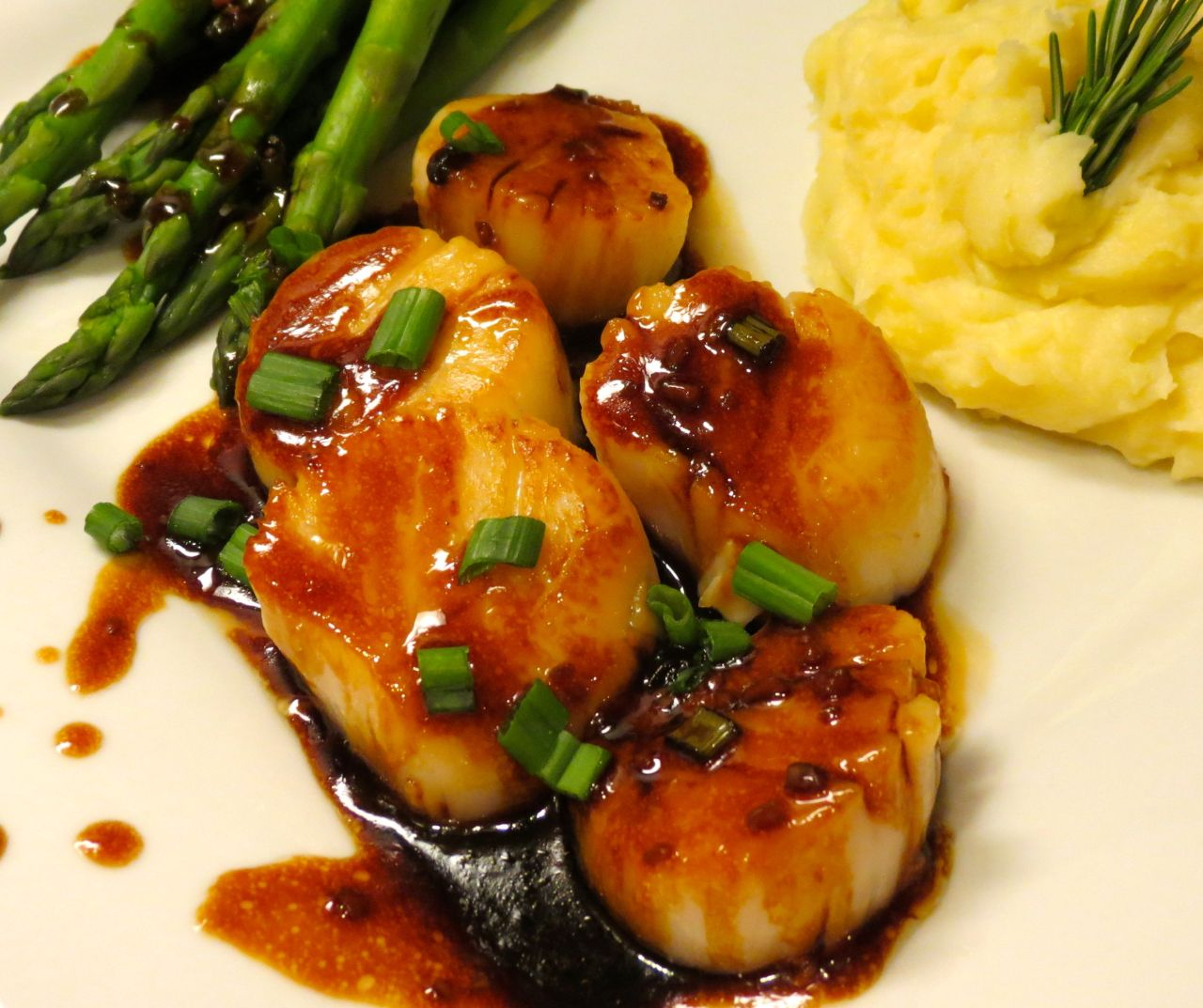 Scallops in Asian Sauce