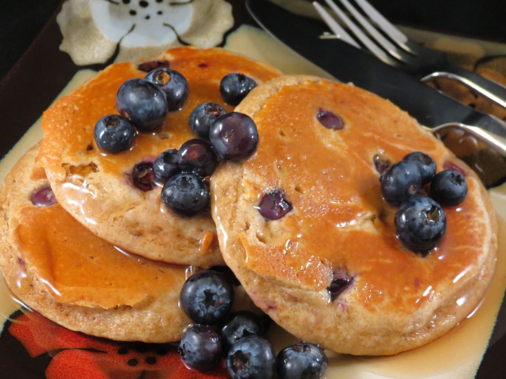 Blueberry Pancakes plated picture 2