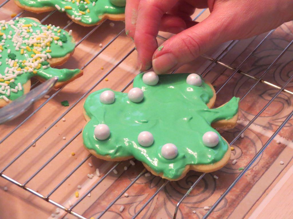 Irish Shamrock cutout cookies Icing 4