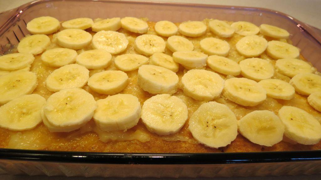 Tropical Getaway Cake add bananas