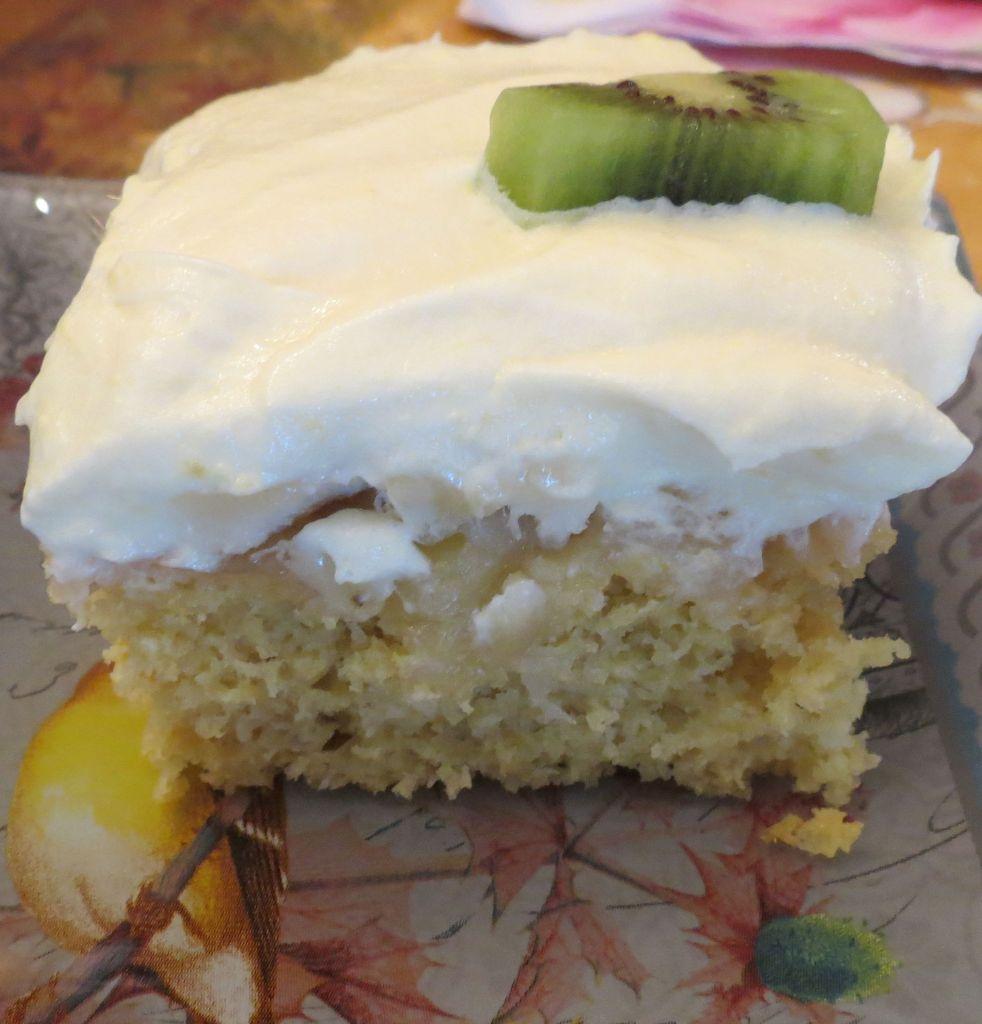 Tropical Getaway Cake close up