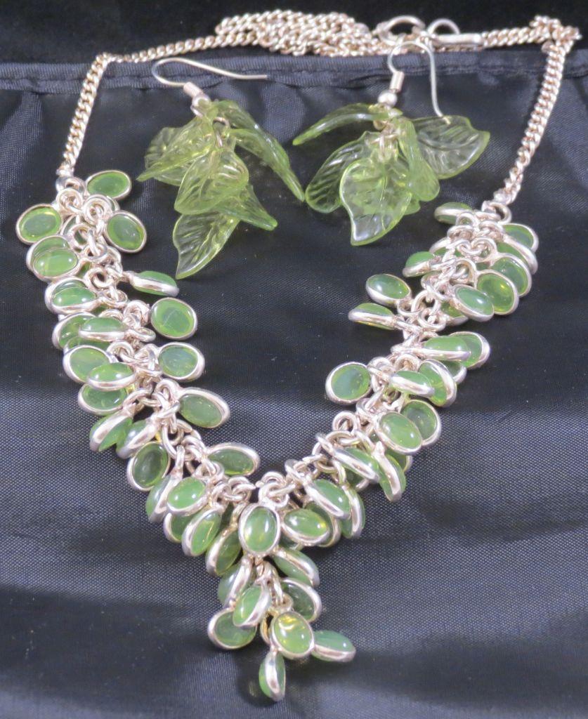 Angie Strauss Jewlery Green Necklace
