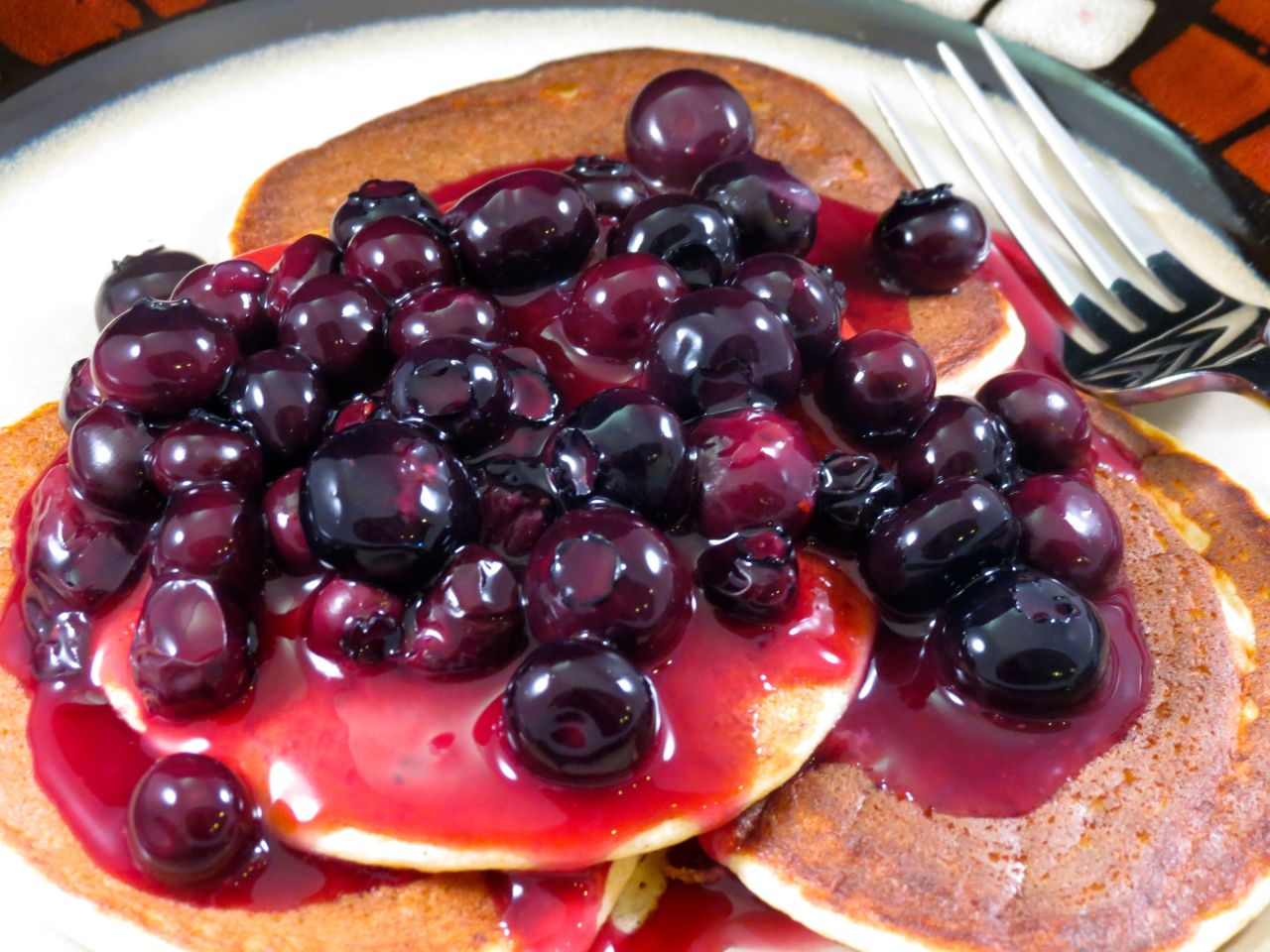 Lemon Ricotta Pancakes with Homemade Blueberry Sauce ...