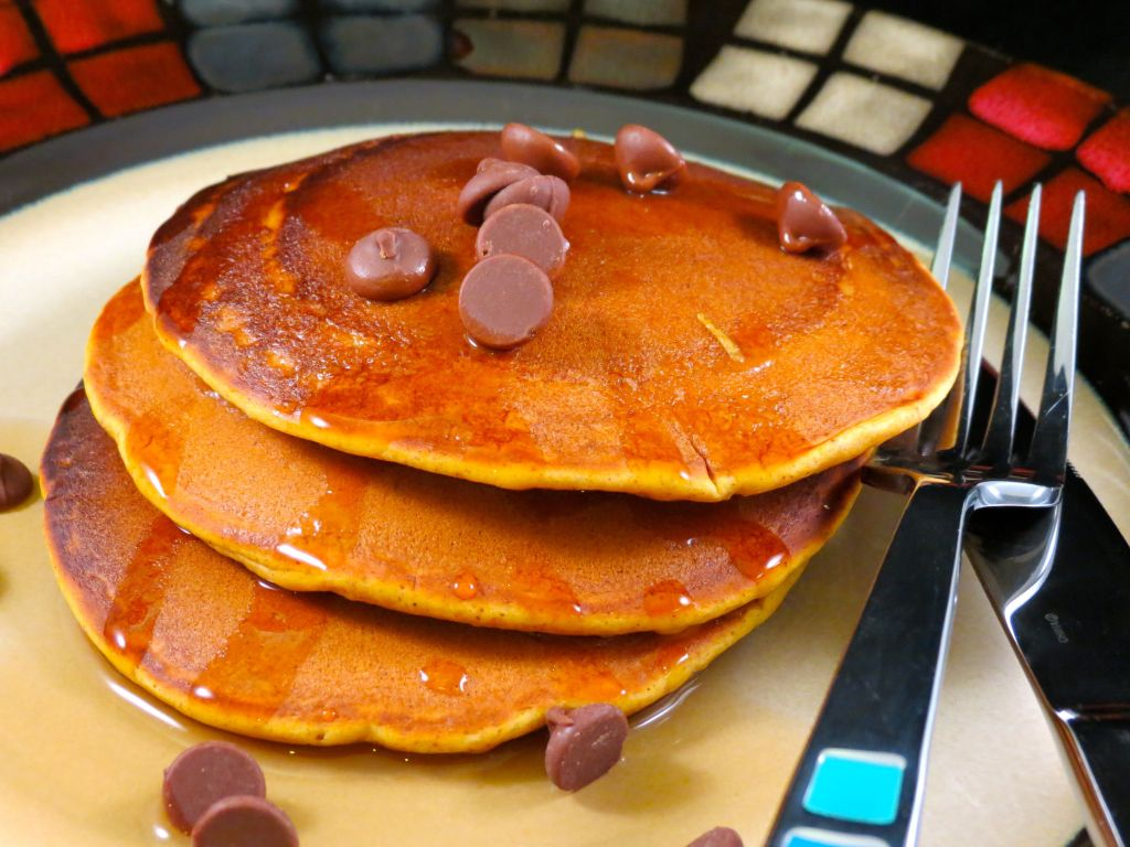 Pumpkin Pie Pancakes with chocolate chips