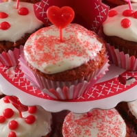 St. Valentine's Day Red Velvet Cupcakes! #recipe #baking #valentinesday