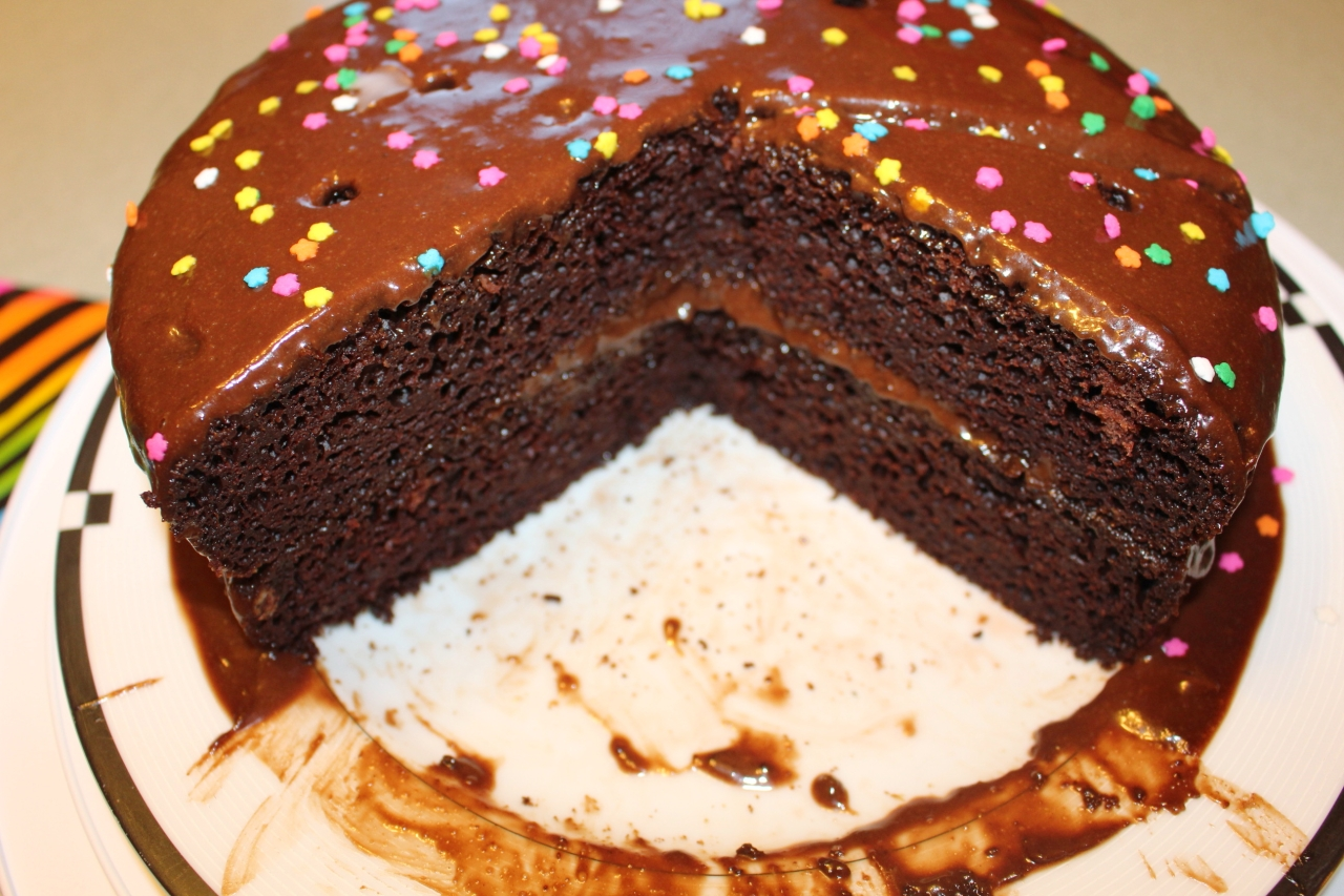 Chocolate Cake with Chocolate Peanutbutter Icing 2